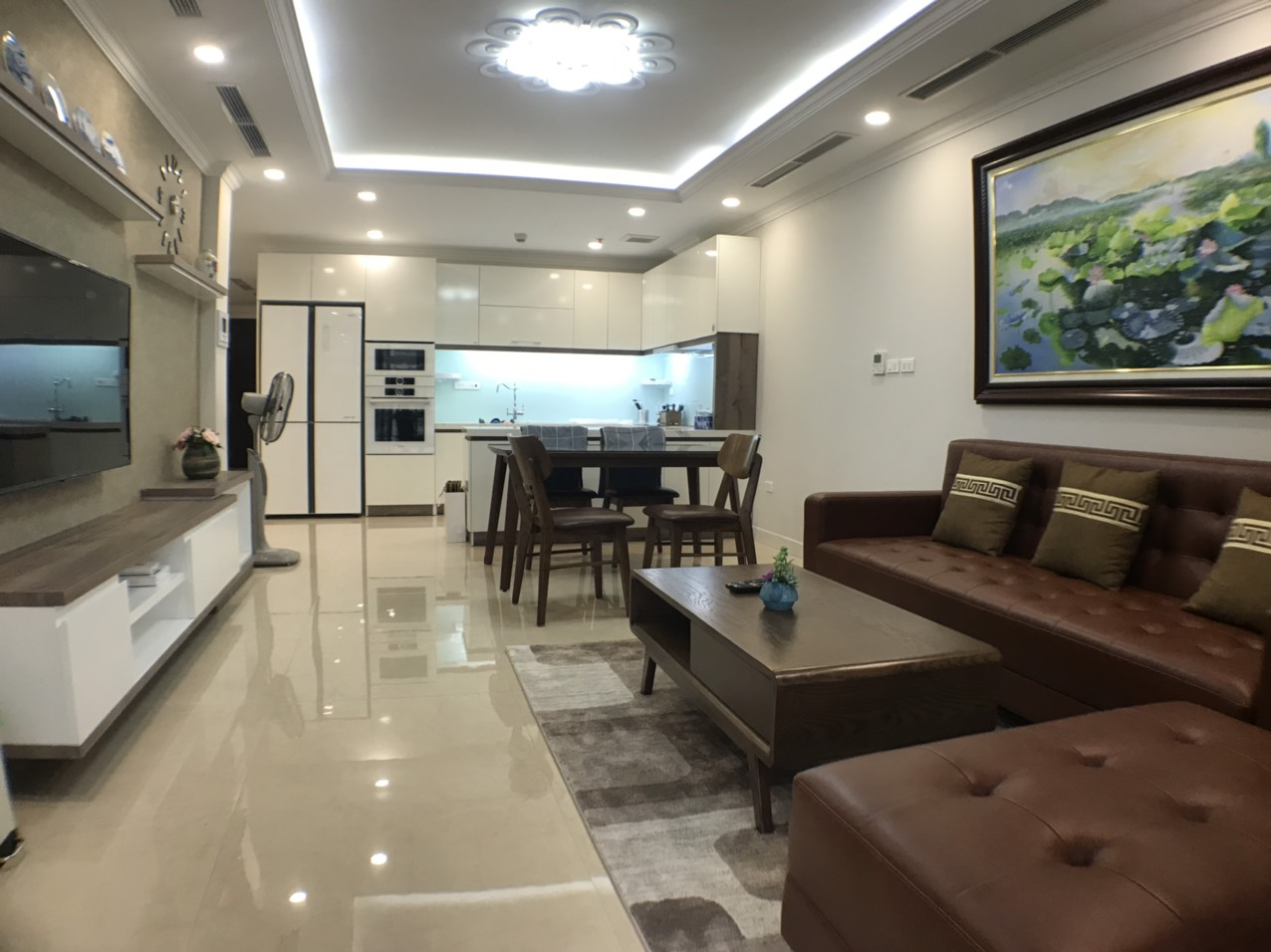 City view 3 bedrooms apartment for rent in D'.le roi soleil